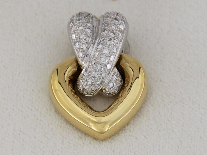 Gold and diamond heart-shaped pendant - 21.00 x 1.60 mm