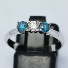 18kt white gold - blue and white diamonds 0.51ct – Size 16 (IT) / 17.7 mm