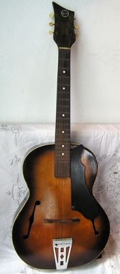 Egmond - Archtop - The Netherlands - Ca. 1950/1960