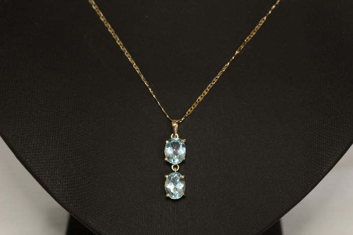Gold Necklace, gold 18k, with Blue Topaz pendant; Size: 24 cm long