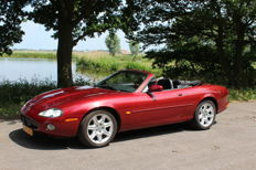 Jaguar - XK8 Convertible 4.0 V8 - 1998