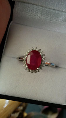 Stunning Natural Classical design 2.15cts Thai Ruby with Brazillian White Topaz dress ring. No reserve