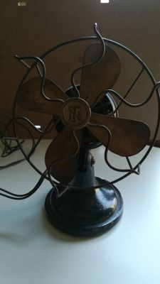 Desktop fan, years 40/50's