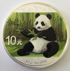 China – 10 Yuan 2017 'Panda' coloured – 30 g silver