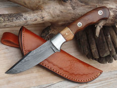 Full tang, damascus steel hunting knife, France