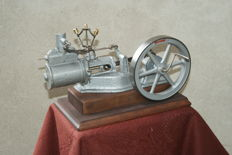 Cut-away demonstration model of horizontal stationary steam engine