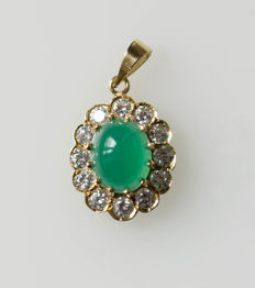 14 kt gold pendant with jade and zirconia