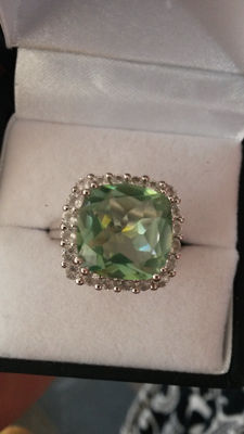 Large 7.83cts Brazilian Antique Cushion Shape Apple/Lime Green Quartz with White Topaz Coctail ring