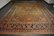 Antique old Persian palace carpet Kashan, made in Iran, natural colours 320 x 450cm