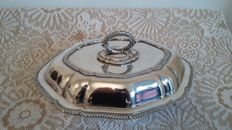 S.m silver plated oval entree dish tureen made in england.