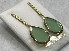 Dangle earrings in 18 kt gold with jade and zircons – no reserve