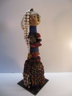 Beaded figurine - MWILA - Angola