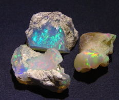 Rough precious opal lot - 9.52gm - 47.57ct (3)