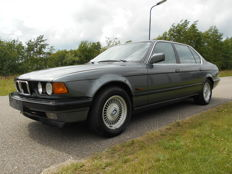 BMW - 750i L 12 cilindros - 1987