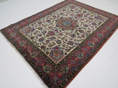 Semi-antique nice Persian rug, Tabriz/Iran, 190 x 145 cm, excellent condition, ca. 1960-1965