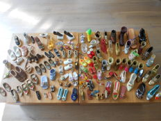 Collection miniature shoes, about 120 pieces