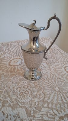 Ewer stunning design silver plated water jug made in england.