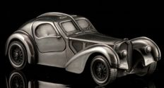 Very rare: silver tin Bugatti Type 57 Atlantic  17 x 6 x 5 cm