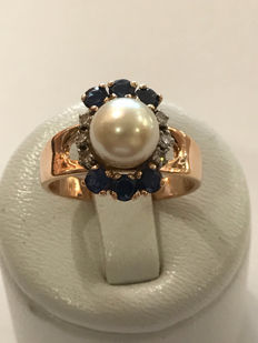 Gold ring with pearl, diamonds, and sapphire