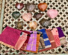10 polished hearts of minerals with matching pouches of Sari fabric - 6.2 to 8.4 cm - 2.29 kg