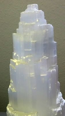 Large lamp of white Selenite - 35 x 33cm - 3.3kg