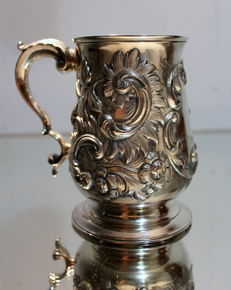 Antique 18thC rare solid silver embossed mug or tankard, Thomas Kendrick, London, 1773