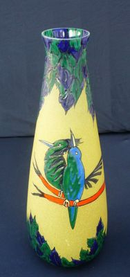 August Heiligenstein (1891-1976) for Leune - Large beautiful vase in yellow glas with enameled decor