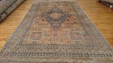 Hand-knotted Karachi carpet - 2.42 m/1.59 m - Pakistan -