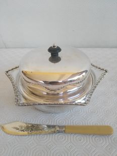 Old 6-pointed muffin holder in silver plated metal E.P.N.S. with lid and butter knife, Kay & Co