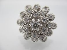 Ring in 18 kt white gold with 1.12 ct of diamonds in total * No reserve price *