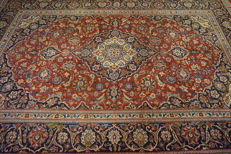 Fine royal handwoven Persian palace carpet, Kashan, cork, 220 x 320cm, made in Iran