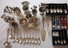 Collection Small Cutlery, D.E. Cream set and spoons.