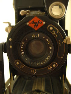 Early '30s: Agfa Billy I luxus with Igetar 8.8