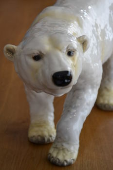 Goebel - very large (length 51cm) -  Polar bear