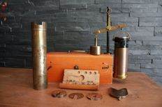 Industrial calibrated weighing device in original case - Germany -  from1935