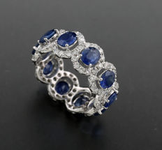 Memory ring with sapphires and brilliants 5.10ct in total, includes brilliants 1.40ct 750 white gold ---no reserve price!---