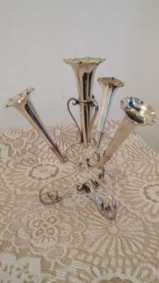 Centre piece triple posy flower holder hallmarked silver plated made in england.
