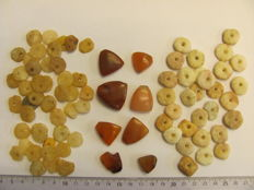 82 x archaeological beads 10/25 mm (82)