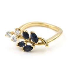 18 kt yellow gold – Ring with flower motif – Brilliant cut diamonds –