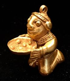 Tumbaga Gold , Colombian Tairona Culture  - 41 x 29 x 35  mm , 22,22 grams,  A pendant Indian Native in a ceremonial offering