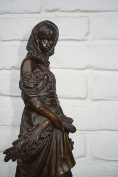 Eutrope Bouret (1833 - 1906) - bronze statue of a lady with harvested ears of corn - France - approx. 1880