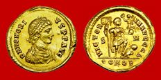 Roman Empire - Honorius (393 - 423 A.D). gold solidus ( 4,36 g, 21 mm) minted in Sirmium between 394-395 A.D. VICTORIA AVGGG