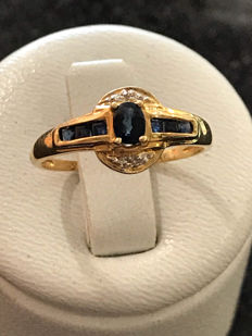 Gold ring, sapphires and diamonds ** no reserve price **