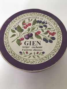 Porcelain of Gien, the enchanted orchard, 8 illustrated plates