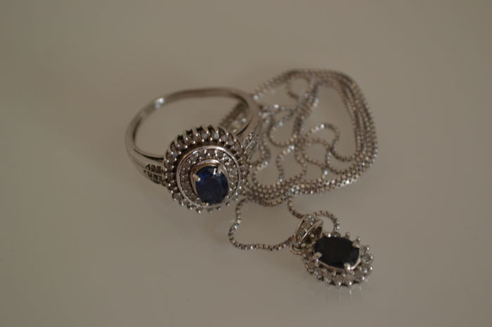 Ring and necklace in silver, sapphire and diamond, 0.40 ct - size 60 - Length: 45.5 cm.