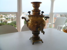 Samovar in Bronze