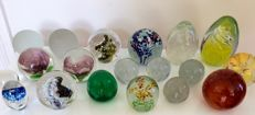 Collection 19 paperweights-glass-great condition-including SELKIRK GLASS and Pfeiffer handmade paperweights