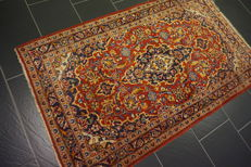Fine royal handwoven Persian palace carpet, Kashan, cork, 105 x 170cm, made in Iran