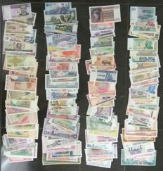 World - Collection of 200 banknotes from all over the world. All different.