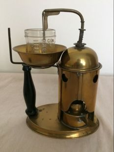 Pharmacy distillation device of brass. Netherlands - late 19th century.